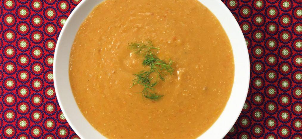 Teller mit Linsen Fenchel Suppe