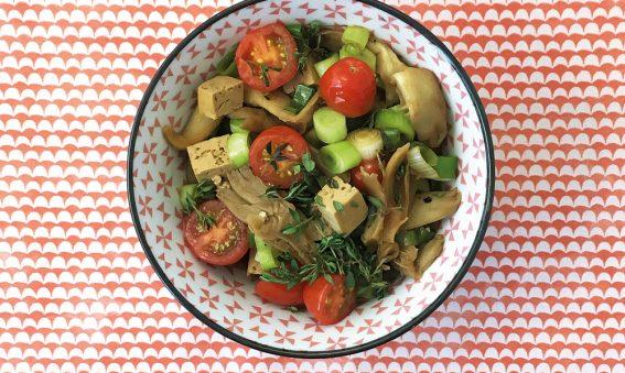 Schale mit Austernpilz-mit-Tofu