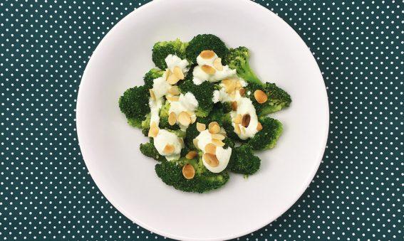 Mandel-Brokkoli-mit-Sojacreme